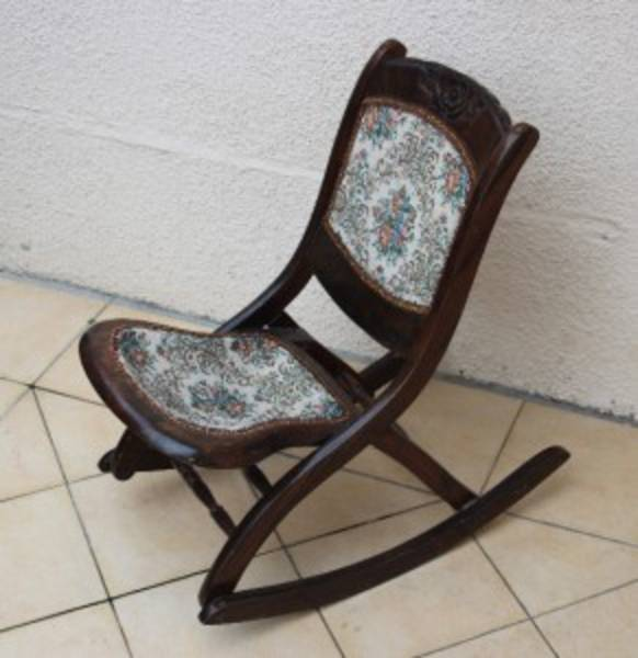FOLDABLE ROCKING CHAIR. Picture. Vintage Rocking Chair. - Chairs - Adored